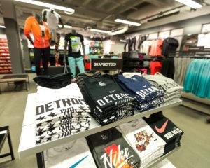 Cara memulai bisnis online shop baju branded