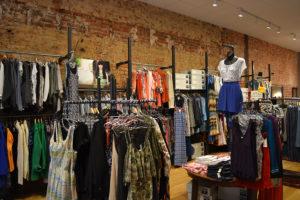 Memulai bisnis clothing dengan modal kecil minimal