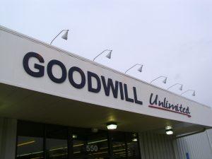 Nama yang bagus untuk toko baju dewasa